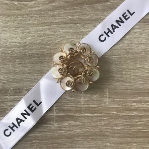 One & Only! ✨Auth Chanel Zipper-Pull on Broach✨